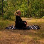 loslaten met yoga op vlieland in de herfst